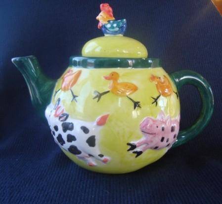 teapots 004