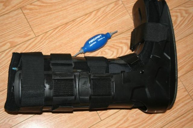 airboot cast